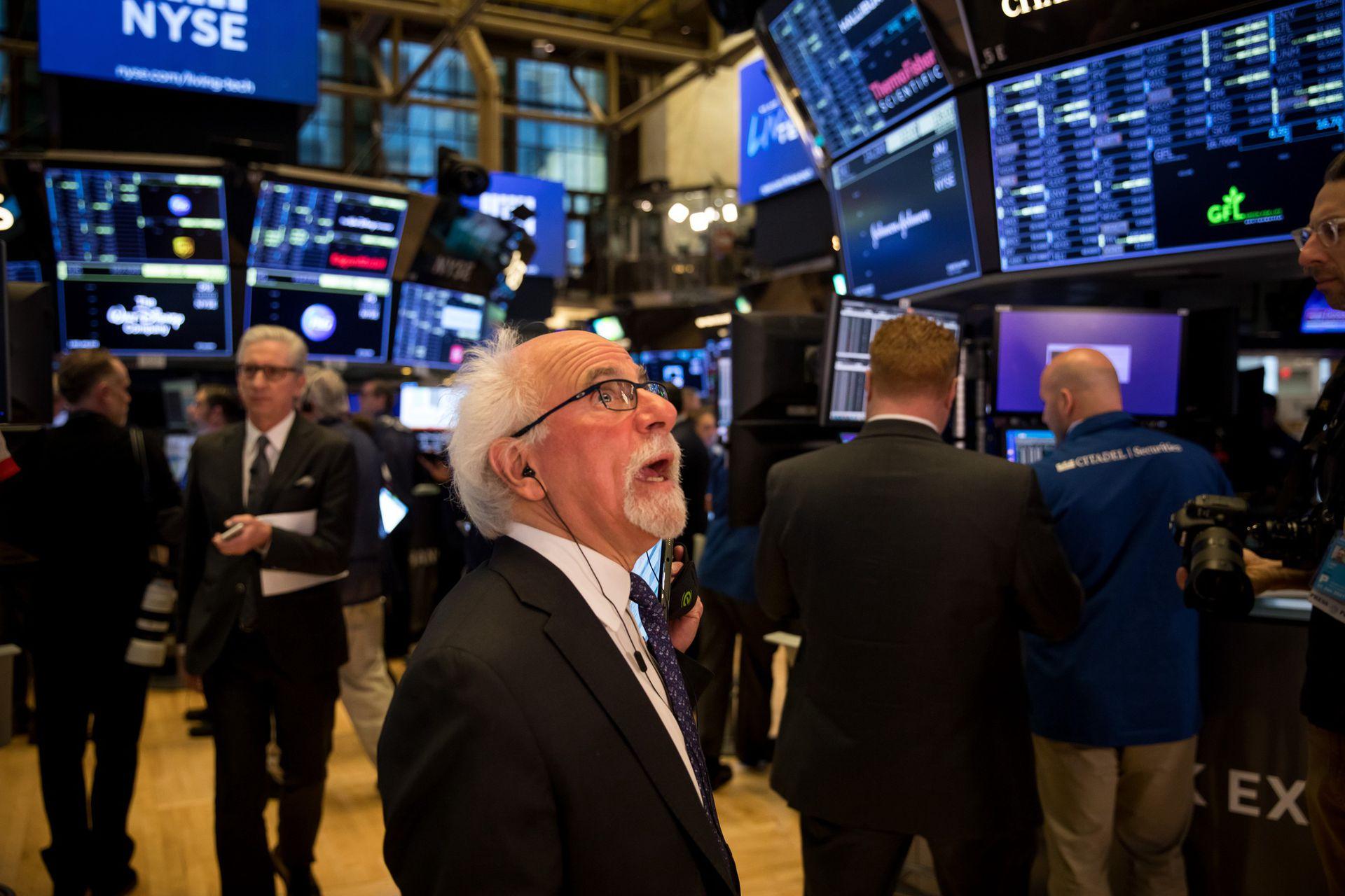 熱門中概股周五收盤漲跌不一 BOSS直聘IPO首日飆升逾95%